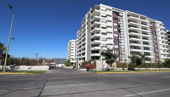 San José de la Sierra / Esquina Av Las Condes